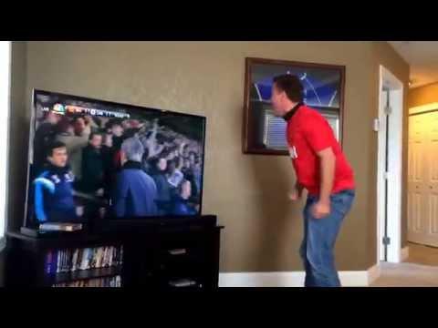 Best reaction to Robin Van Persie last minute goal! Manchester United