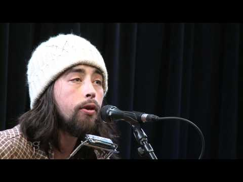 Jackie Greene - Honey I Been Thinking About You (Bing Lounge)