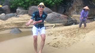 Đại Ca Vi Cá Lạc Trôi Giữa Biển | Quách Ngọc Tuyên Daily Vlog