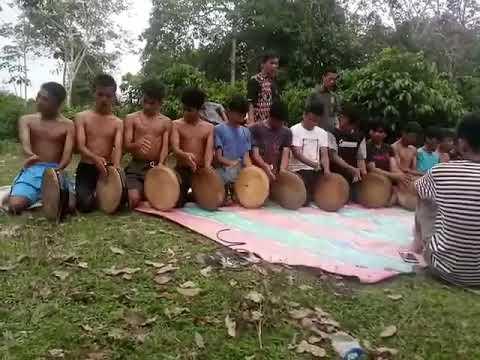 Proses latihan tari rapai geleng sanggar rangkang budaya .. gurealwi