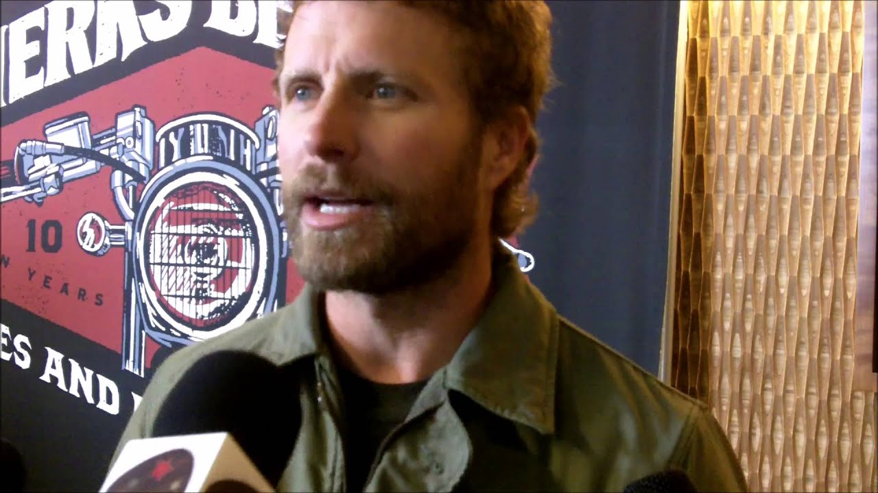 Dierks Bentley Miles And Music 2015