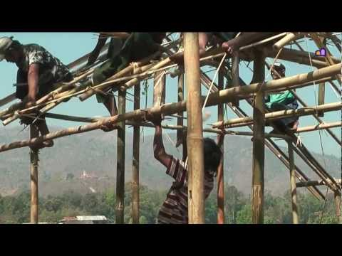 Myanmar 2012 - Construction of houses (3150)