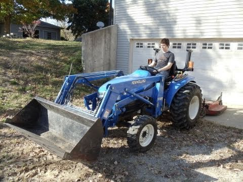 New Holland Tractor - Removing an Implement from 3 pt - Rear Finish Mower