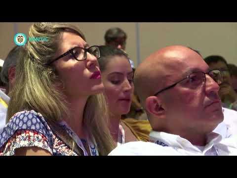 Ministra TIC Sylvia Constaín presenta la política TIC C35-N8