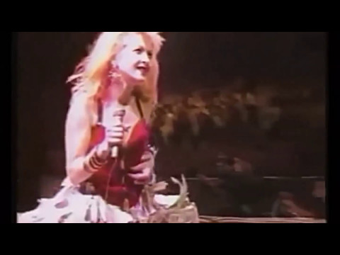 Cindy Lauper - Girls Just Want To Have Fun - (Live at Budokan - JAPAN 1987)