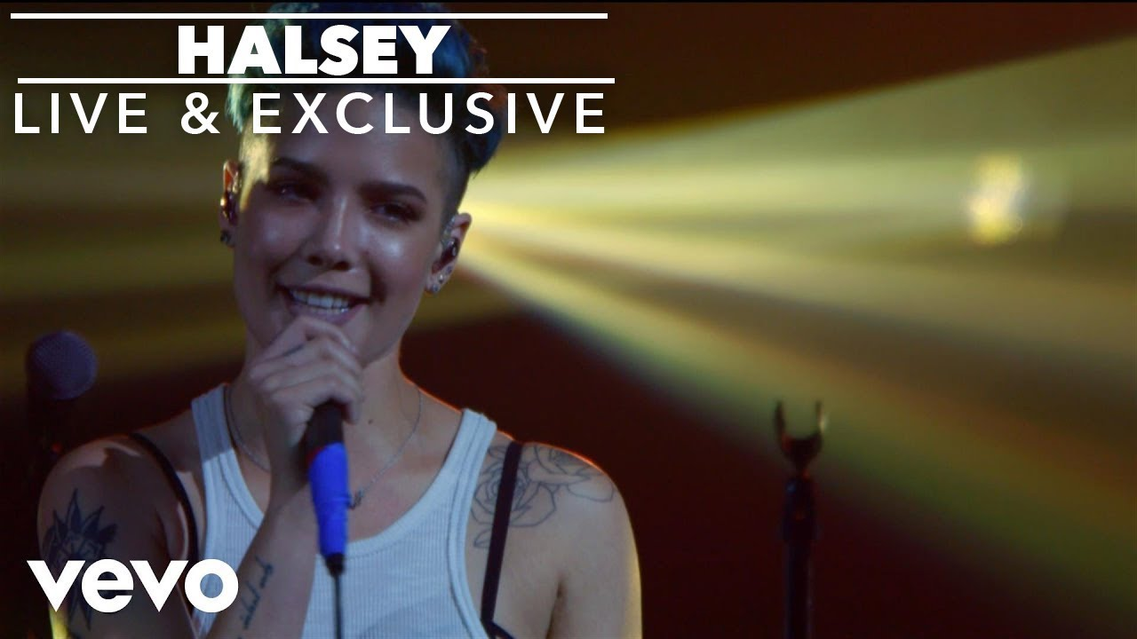 Halsey Describes Having a Miscarriage Just Hours Before