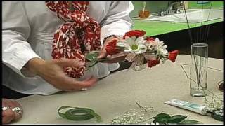 Repeat youtube video Russ on Flowers Show #25- How to Make a Corsage
