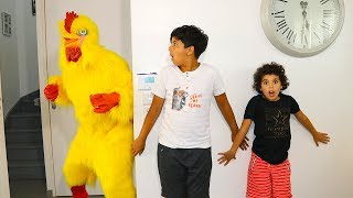 Giant chicken comes to get his giant egg !!!  kids pretend play