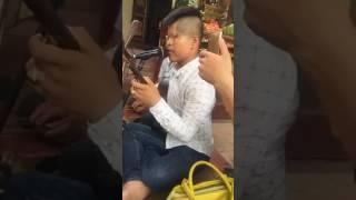 Anh Mù hát Văn nghe cực hay