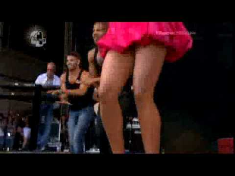 Alesha Dixon - The Boy Does Nothing (Live at V Festival 2009) [23/08/09] + Interview