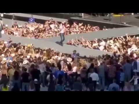 Cole Swindell - Let me see ya girl - Levi Stadium Live 5/2/15