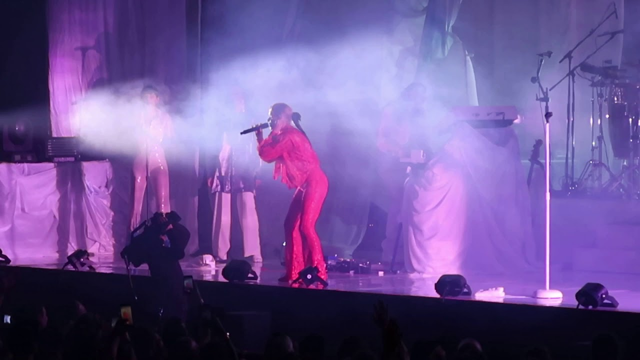 Robyn Dancing On My Own Live Madison Square Garden Nyc 3