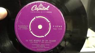 Tennessee Ernie Ford: In the middle of an Island. (1958).