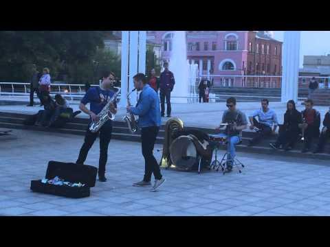 Уличные музыканты. Аккордеон - виртуоз - Мадрид - street