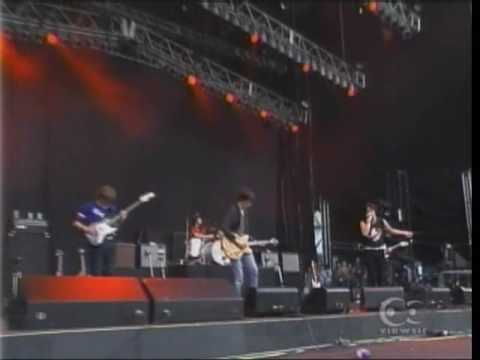 the strokes Between love and hate live in summersonic 03