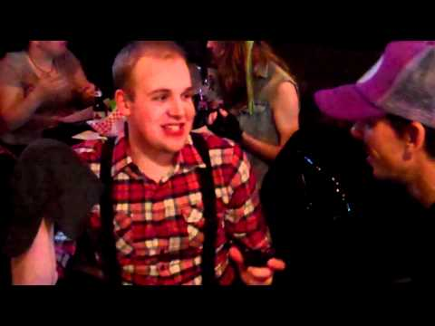 OMG! Halloween karaoke @ Roosters Bar 10-30-10