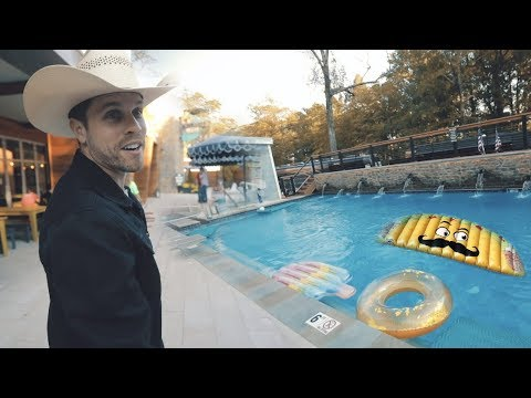 Sunday in the Country - Dustin Lynch Takes You Backstage At Sunday In The Country