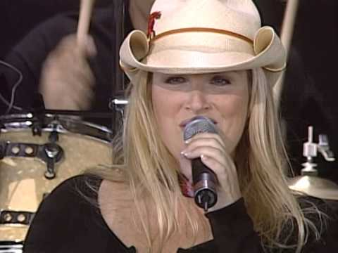 Trisha Yearwood  Perfect Love Live at Farm Aid 1999