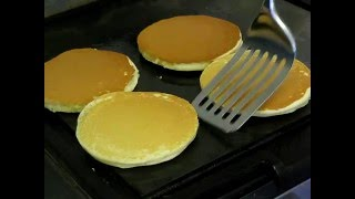 HOW TO MAKE THE BEST PANCAKES IN THE WORLD(PLEASE LIKE, COMMENT AND SUBSCRIBE Step by step instructions to make delicious soft thick pancakes. Music- 'Parting Glass' by Jason Shaw at ..., 2011-01-05T19:38:18.000Z)