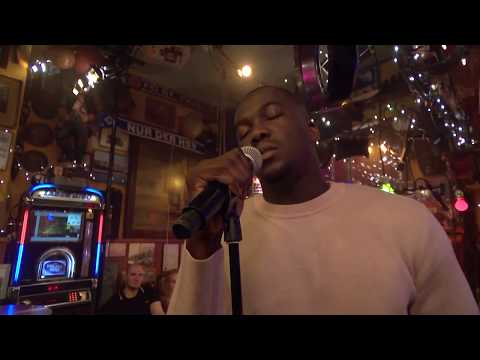 """Jacob Banks - """"Unknown"""" (live) - Inas Nacht, 20.7. 2019"""