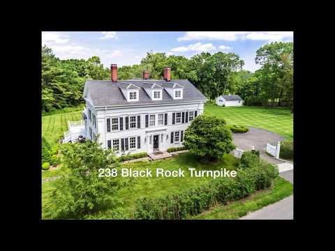 Wonderful Vintage Colonial Updated For Modern Living