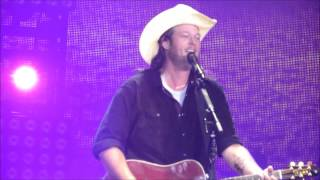 some beach blake shelton live