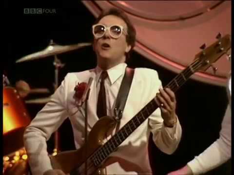 Buggles with Hans Zimmer -  Living In The Plastic Age (TOTP Live 1980)