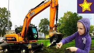 Экскаватор в работе. Экскаватор ровняет землю. Видео для детей Video about excavator(Привет, ребята! В этой серии Игорюша снова встречает большой экскаватор за работой. Настоящий экскаватор..., 2016-09-17T05:00:02.000Z)