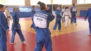 Видеосюжет о тренировках в Челябинске сборной России по дзюдо среди юниорок