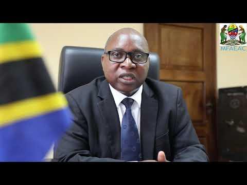 Dkt. Ndumbaro Apokea Nakala za Hati za Utambulisho