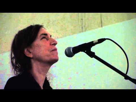 Patti Smith - Boots of Spanish Leather (Dylan cover) - Arles 2011.mp4