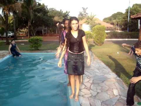 Meu noivado  e amigos  ... piscina kk - 29/08/2010