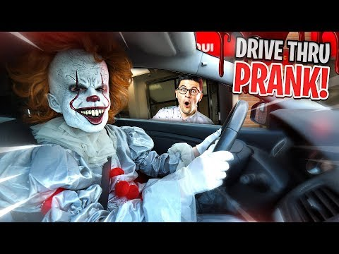 """IT"" CREEPY CLOWN DRIVE THRU PRANK!!"