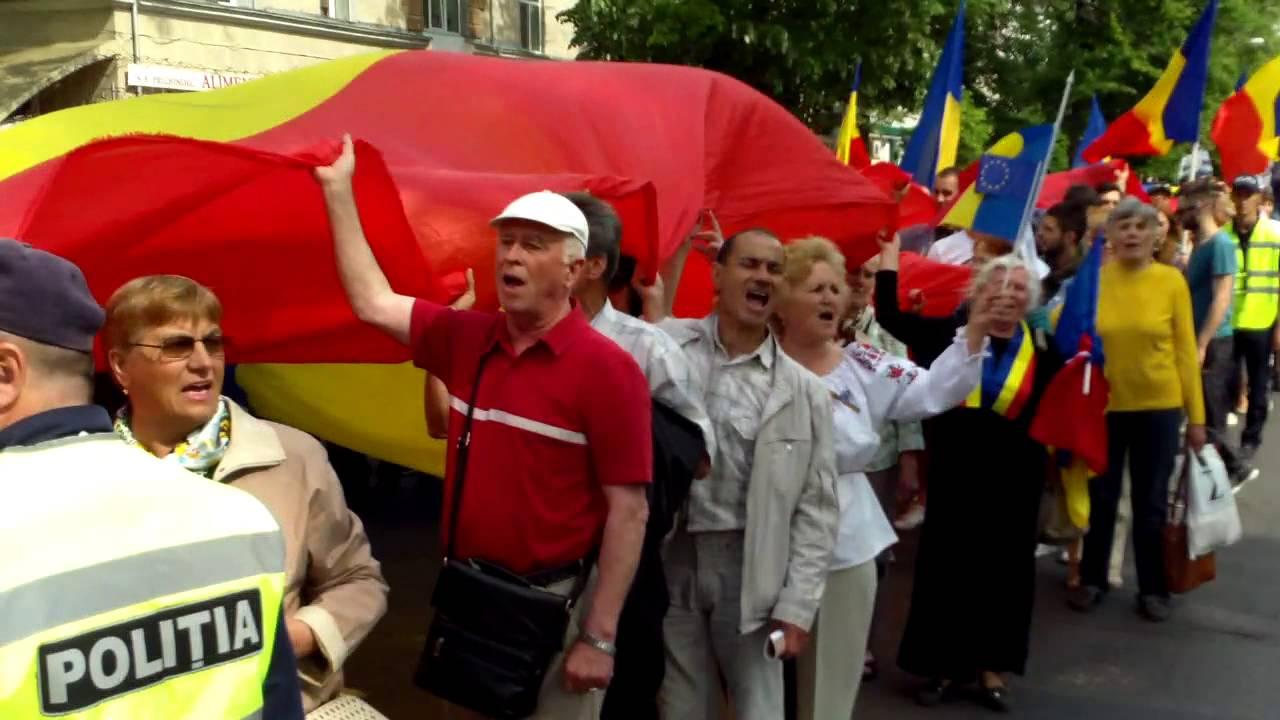 Mii de unioniști au huiduit ambasada rusă