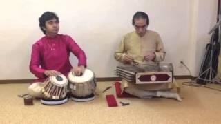 サントゥール奏者のジミー宮下氏と来日中のタブラ奏者arindam chakravar...