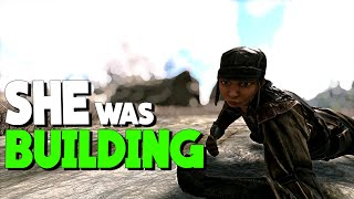 CAUGHT HER TRYING TO BUILD! -Solo/Duo PvP Servers - Ark Survival Evolved Ep.7