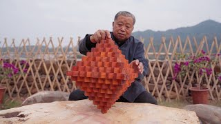 Grandpa Amu used 129 wooden blocks to build Luban locks. Assembly is full of wisdom, amazing