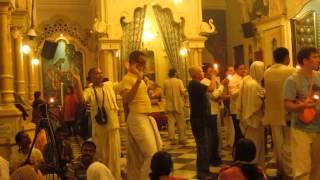 Man dancing like a gopi - Vrindavan ISKCON temple