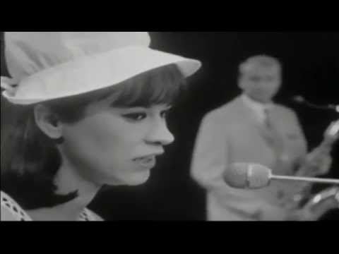 1965 • Astrud Gilberto • The girl from Ipanema