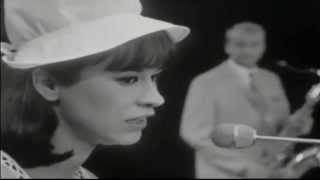 1965 • Astrud Gilberto • The girl from Ipanema