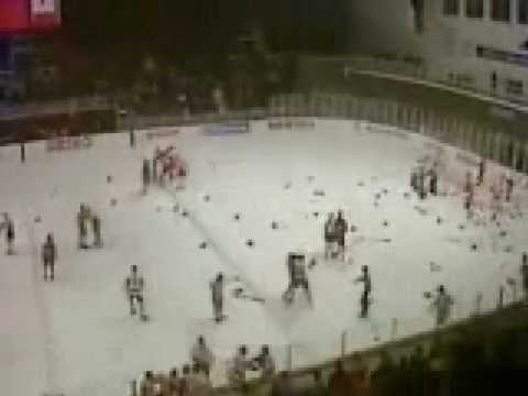 1987 World Junior Hockey Championship Canada vs Russia FIGHT
