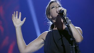 """Sarah McLachlan """"World on Fire"""" - Live at the 2017 JUNO Awards"""