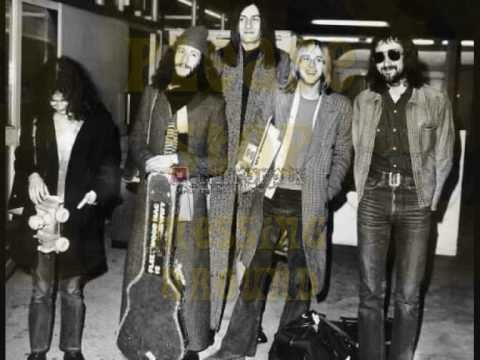 FLEETWOOD MAC : LONDON COLLEGE 1969 : PLEASE STOP MESSING AROUND .