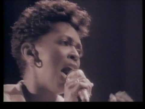 "Anita Baker ""Watch Your Step"" LIVE"