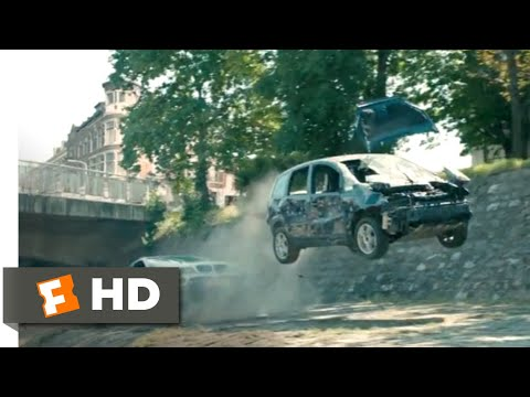 The Hitman's Bodyguard (2017) - Construction Site Chase Scene (10/12) | Movieclips