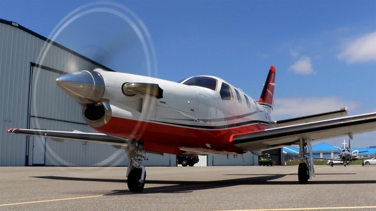 TBM850: Flying Fast, Far, and High! Mini Airliner - RVSM FL300 + Tough CrossWind Landing