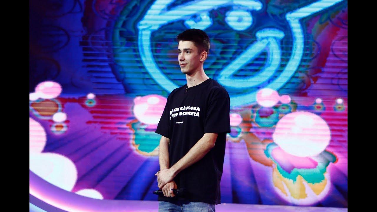 Andrei Cojocaru, roast pe scena iUmor! Pe cât de tânăr, pe atât de creativ și de talentat