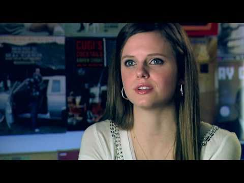 Tiffany Alvord Interview for BetaRecords + I've Never Been Better (live)