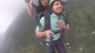 Funny paragliding    bhai 100-200 jyada Lele pr land karade funny