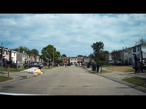 New Orleans Neighborhoods #03 - Pines Village